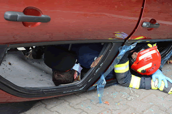 safe-rescue-from-an-overturned-vehicle-2
