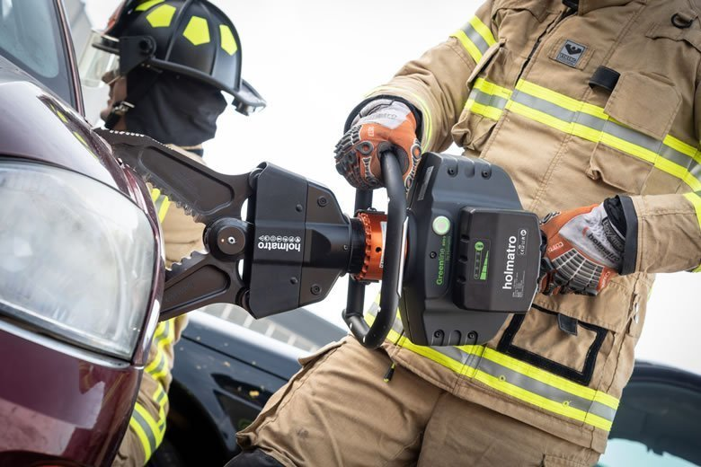 Holmatro Introduces a New Compact Lightweight Combi Tool - Fire